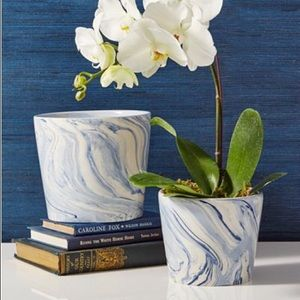 Two's Company Accents - Blue & White Marbled Ceramic Planter